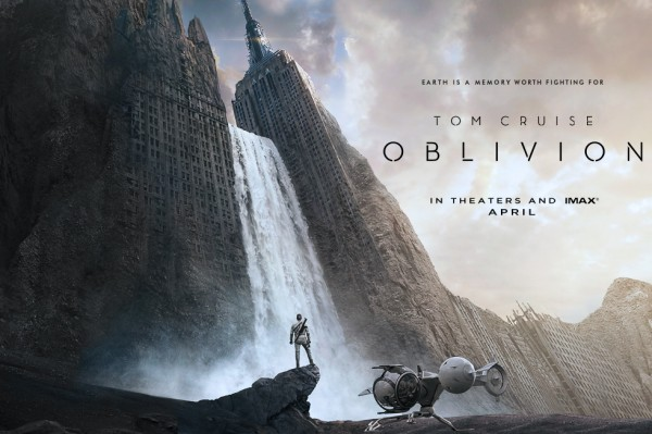Oblivion poster tom cruise 600x399 Oblivion has a Trailer!!!