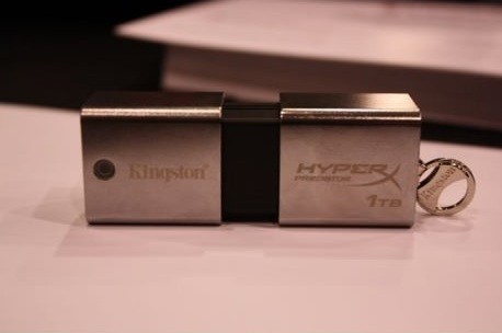 Kingston HyperX Predator 1TB Flash Drive