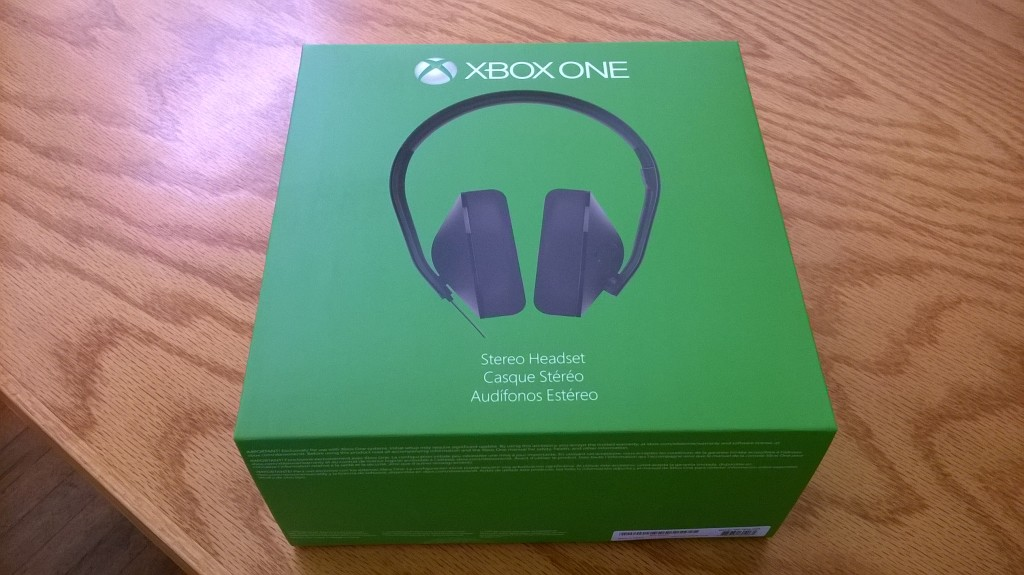 Xbox One stereo headphones packaging